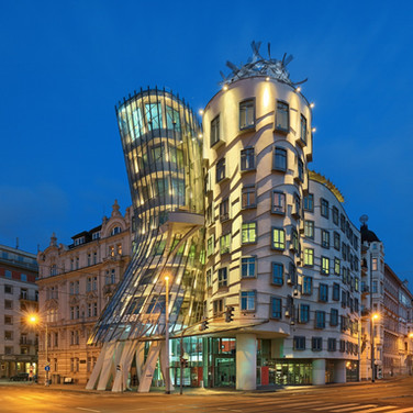 "Dancing House ""Ginger & Fred"""