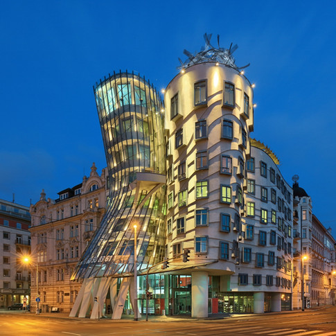 """Dancing House """"Ginger & Fred"""""""
