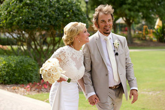 Jonathan Caine gets Married