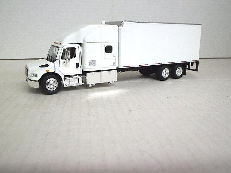 1/53 Freightliner M2 Expediter W/ Van, White