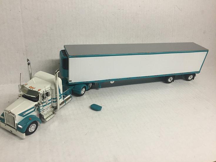 1/53 Kenworth W900L W/ Spread Axle Reefer Van, Turqouise & White