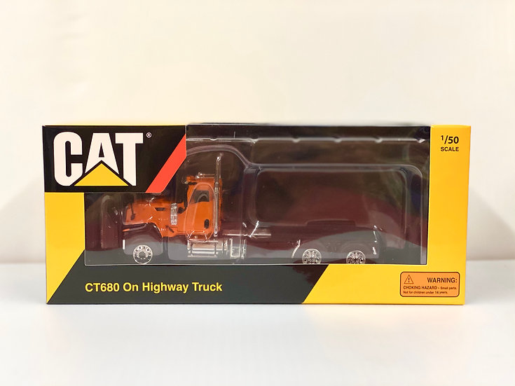1/50 Caterpillar CT680 3 Axle Day Cab, Orange