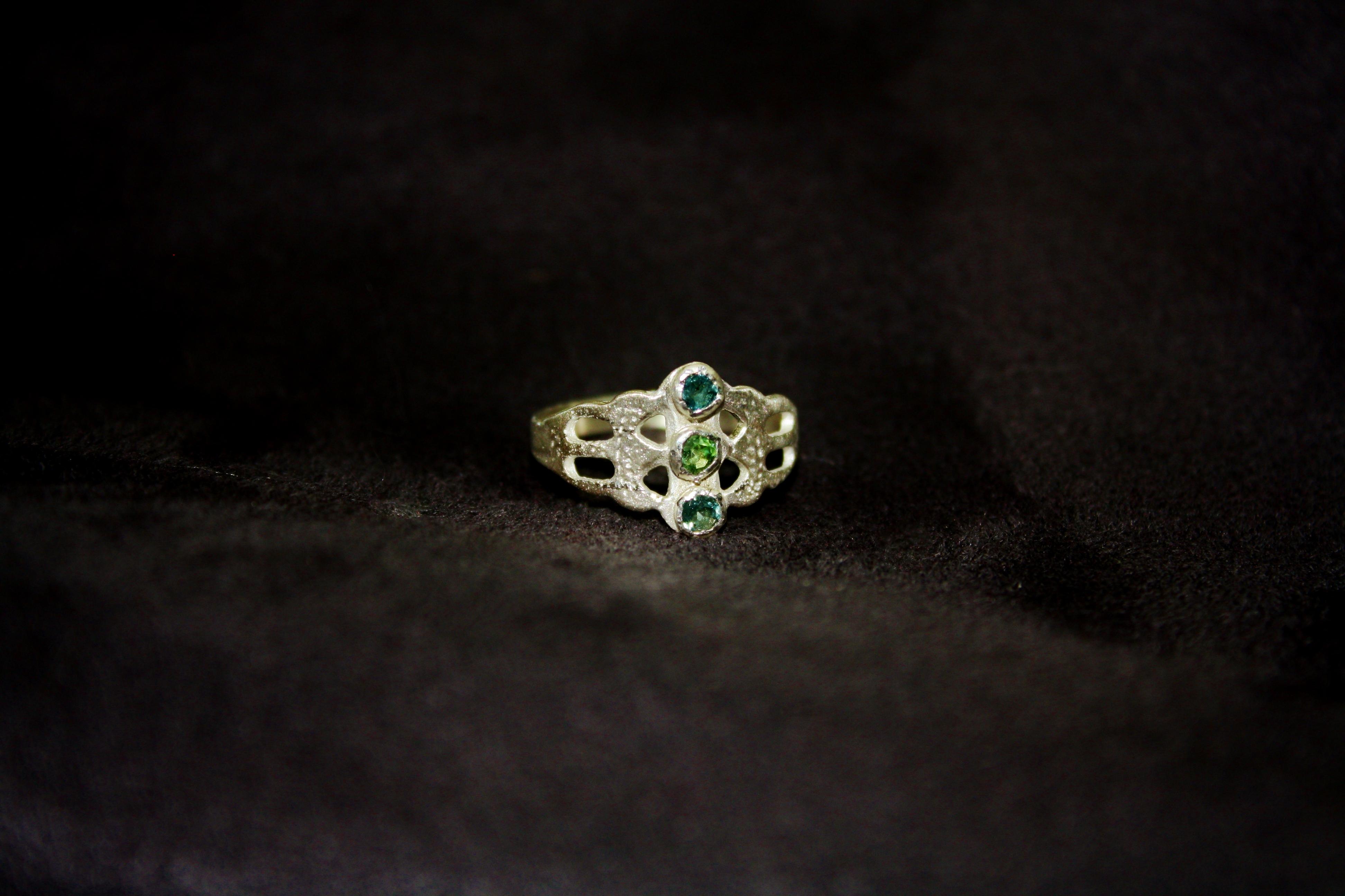 טבעת שיחי הרדוף, כסף וטורמלין