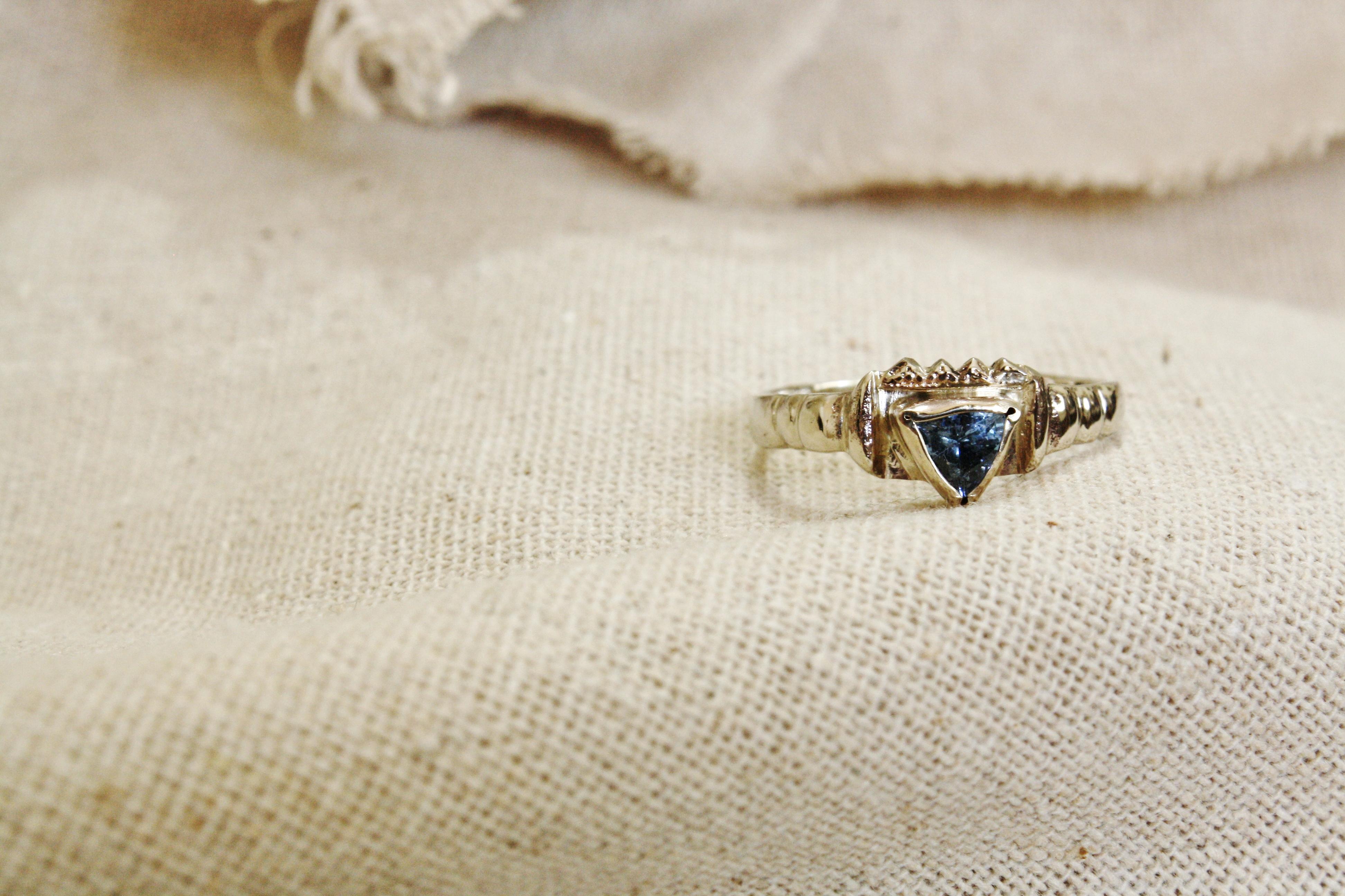 טבעת זהב לבן ואבן טנזנייט, בהזמנה אי