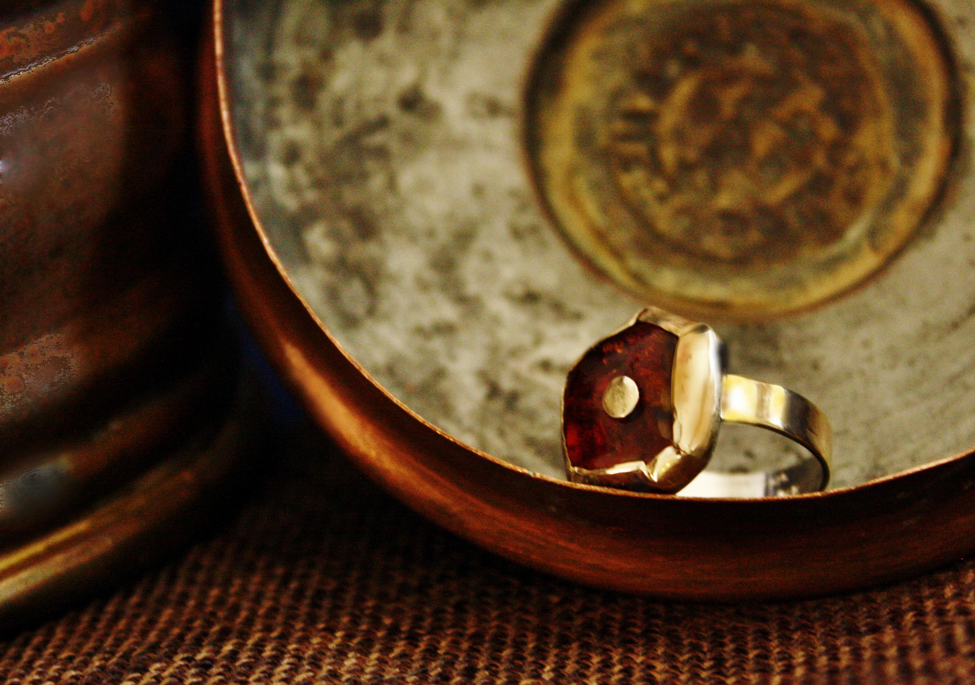 טבעת זהב וענבר בלטי, בהזמנה אישית
