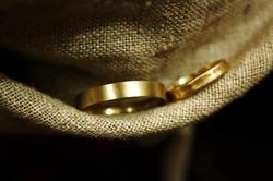 טבעת עדי עד (ימין) וטבעת אור גדול