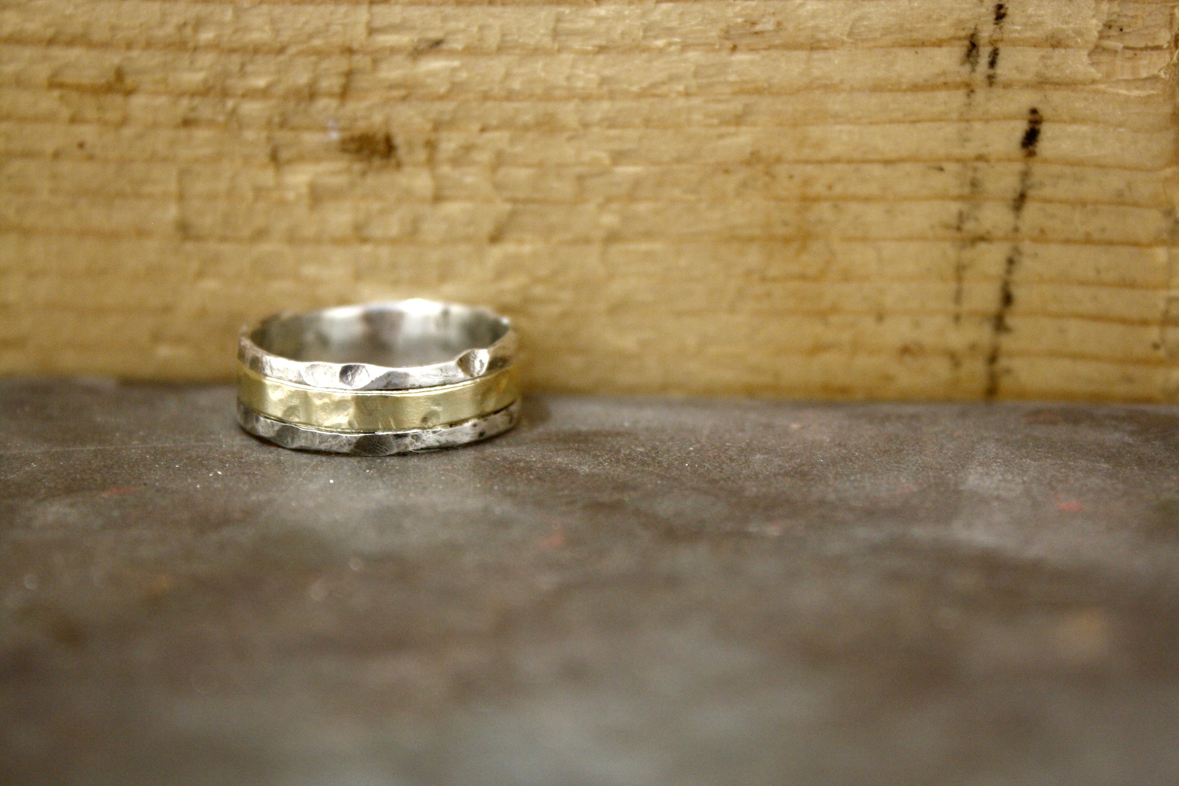 טבעת כסף וזהב מרוקעת