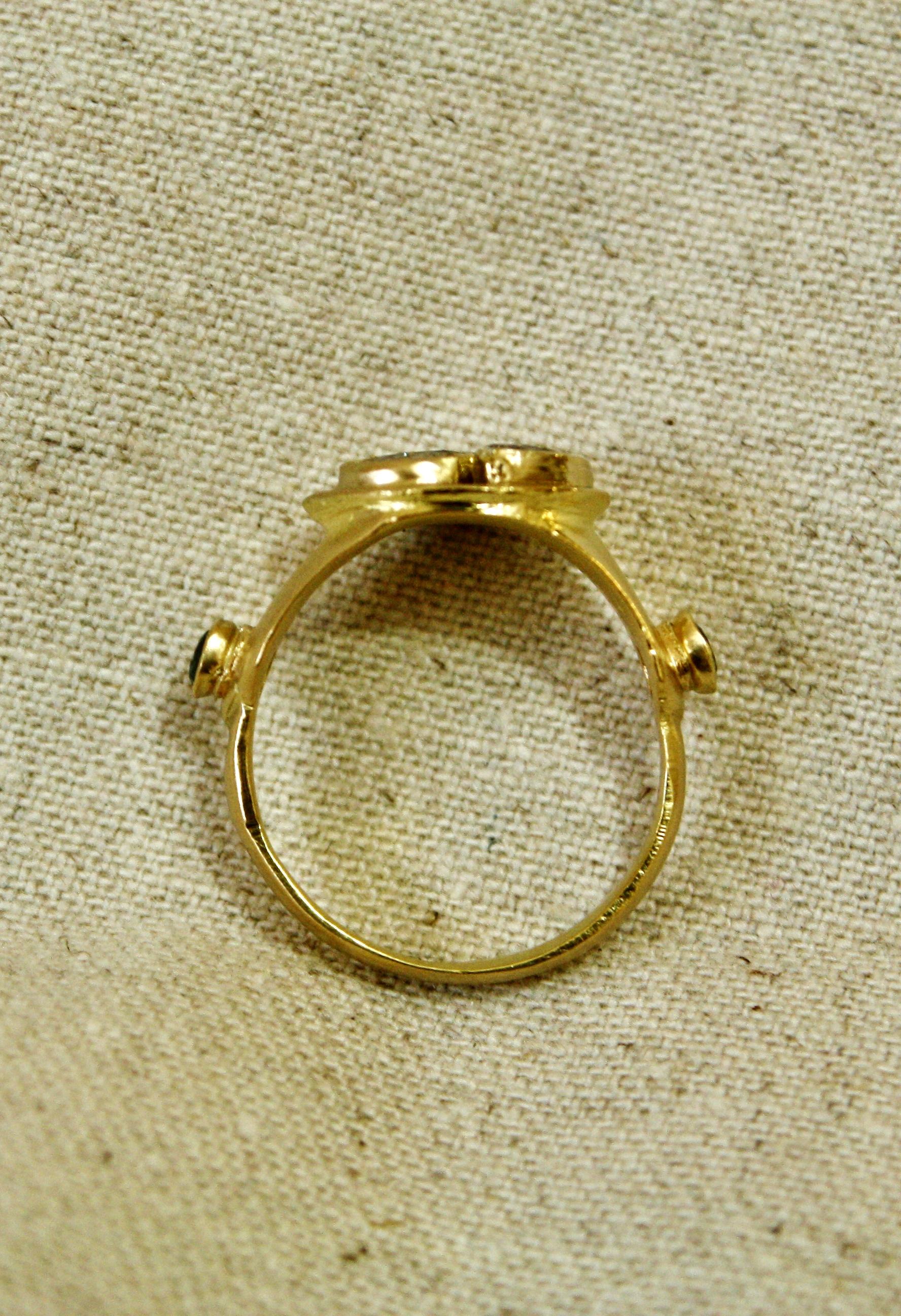 טבעת יורש העצר, משובצת יהלומים חומים