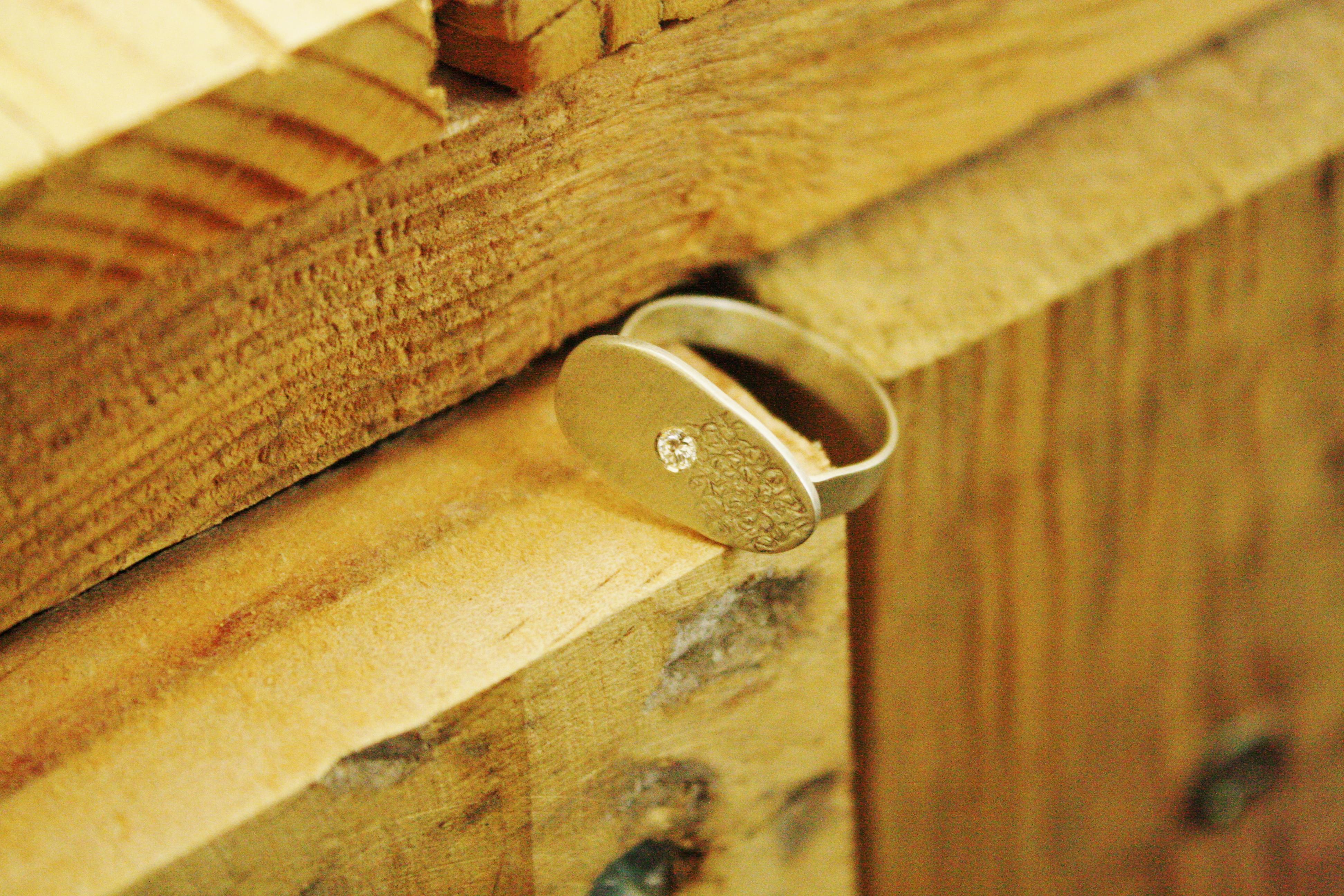 טבעת ציפור הנפש, כסף ויהלום