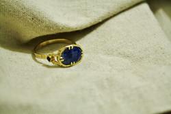 טבעת זהב וספירים, בהזמנה אישית