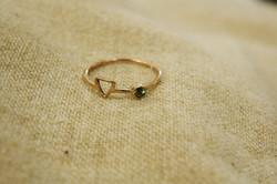 טבעת זהב אדום וספיר ירקרק