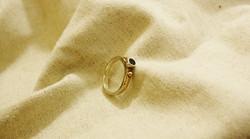 טבעת ספיר ירקרק, כסף וזהב