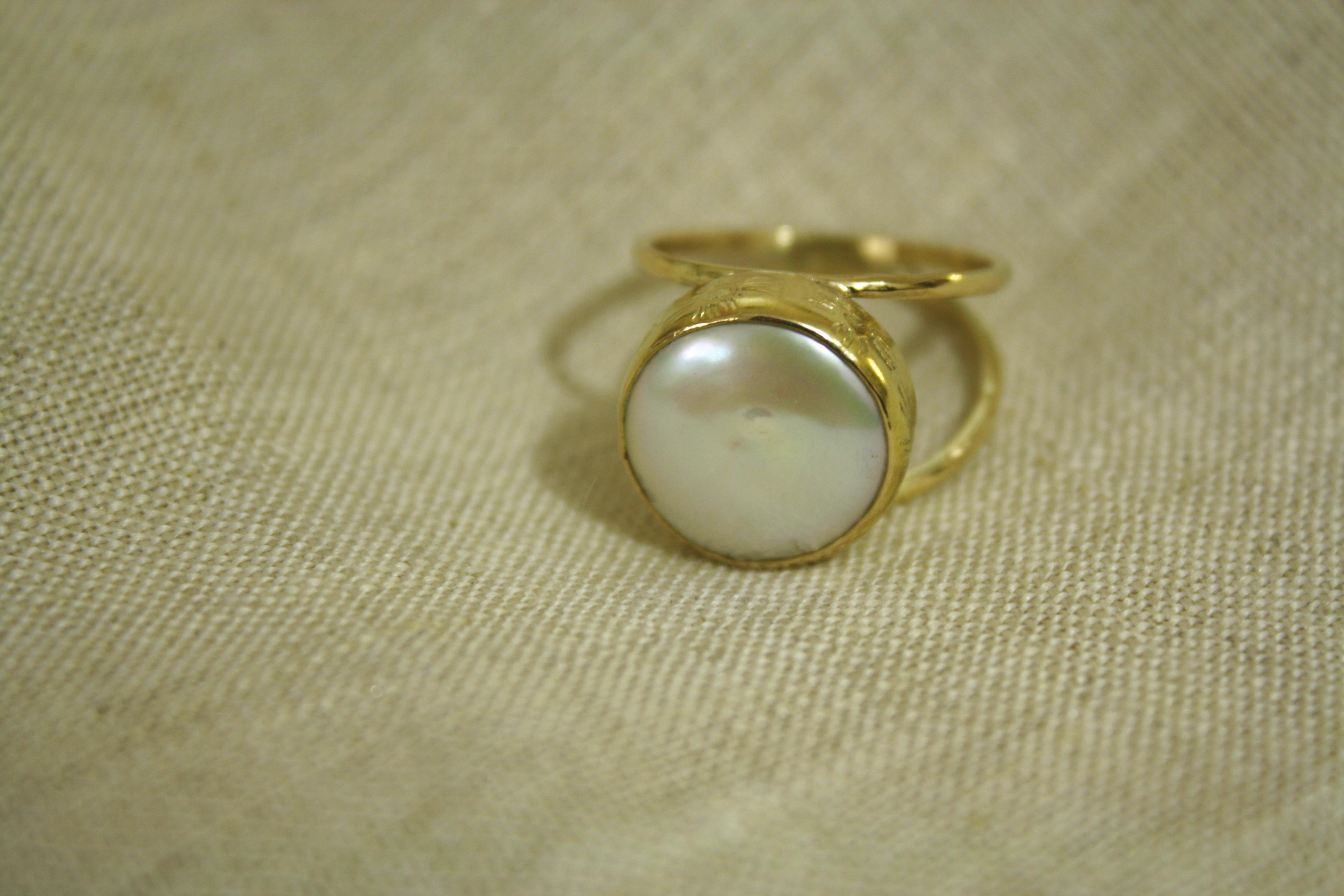 טבעת פנינה פחוסה וזהב