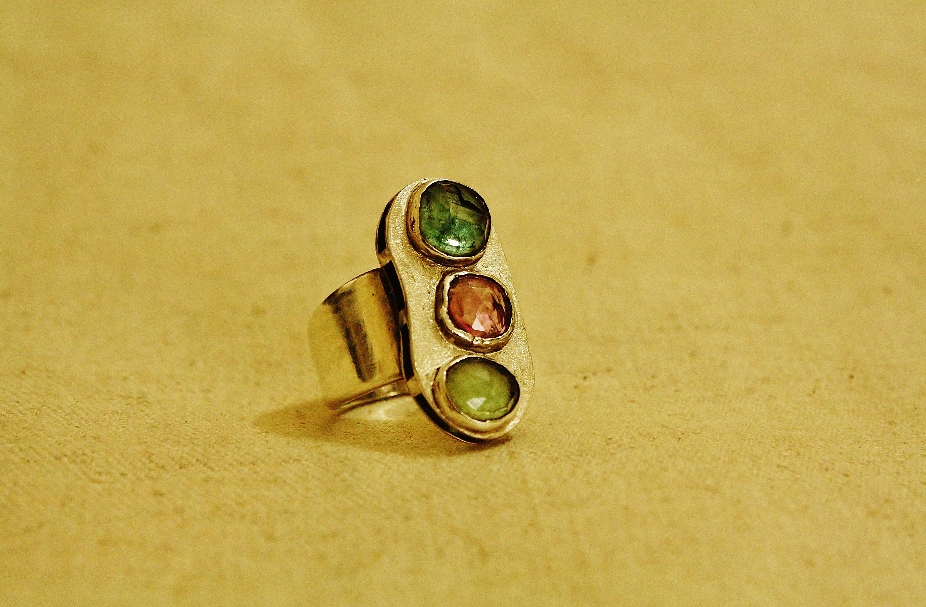 טבעת כסף וטורמלין צבעוני