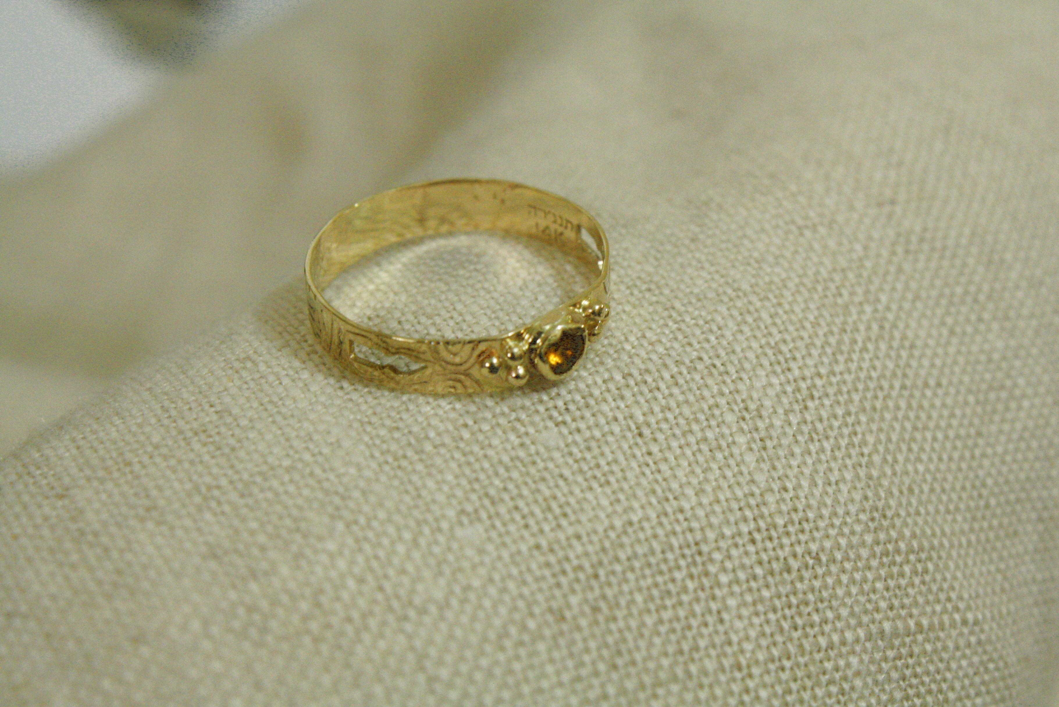 טבעת זהב וציטרין בעיצוב אישי