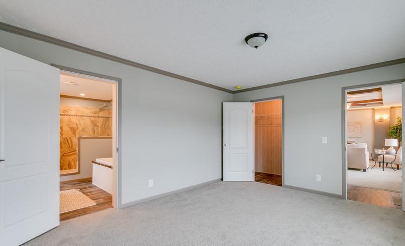 5510DTA-bedroom-1.jpg