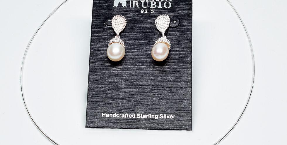 Acorn-Shaped Set of Pearl Earrings and Pendant