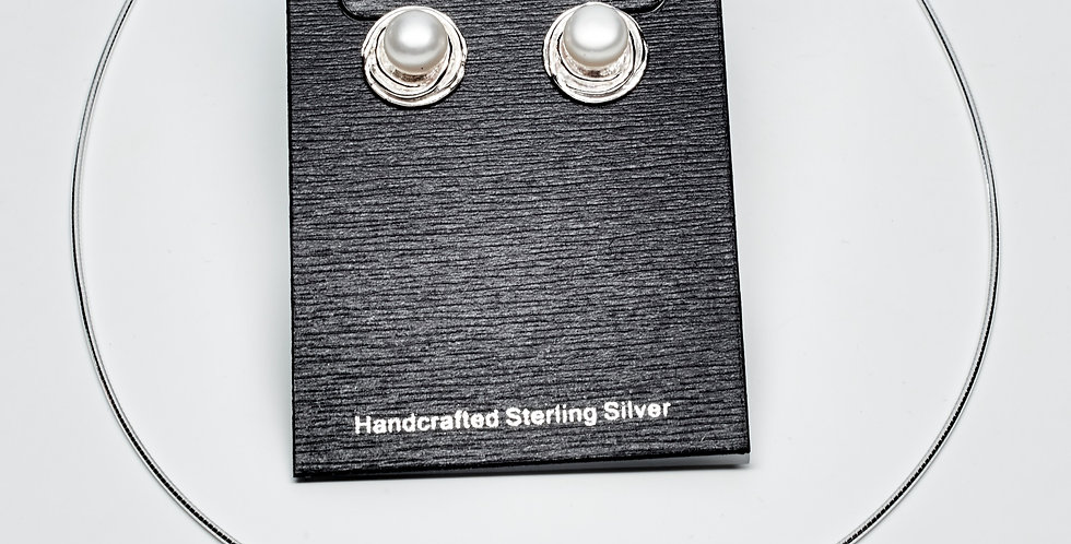 Nest Button Set of Pearl Earrings and Pendant