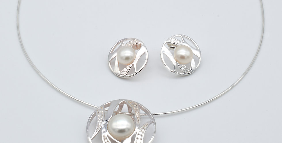 Round Striped Set of Pearl Earrings and Pendant