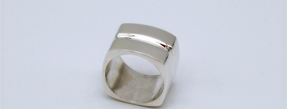 Wide Square Ring