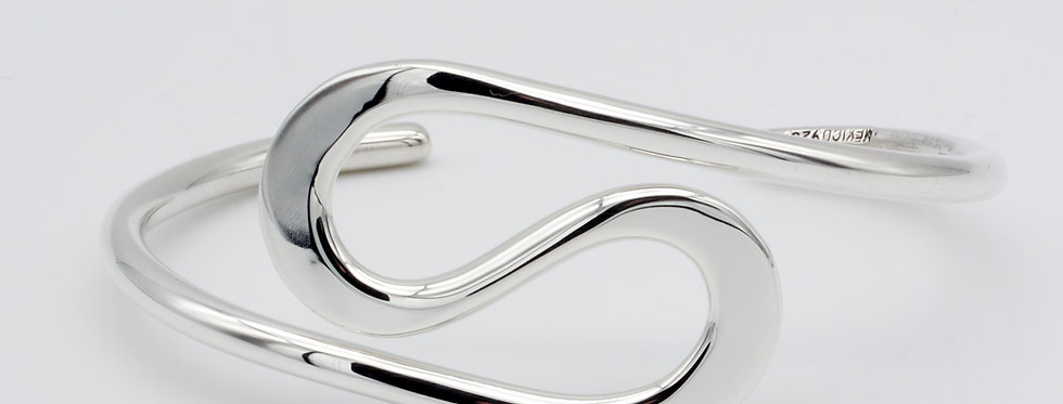 Double Curve Cuff