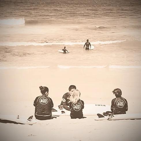 Surf Lessons in São Sebastião beach