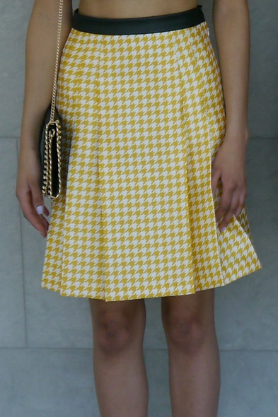 Sunshine Houndstooth Pleated Skirt