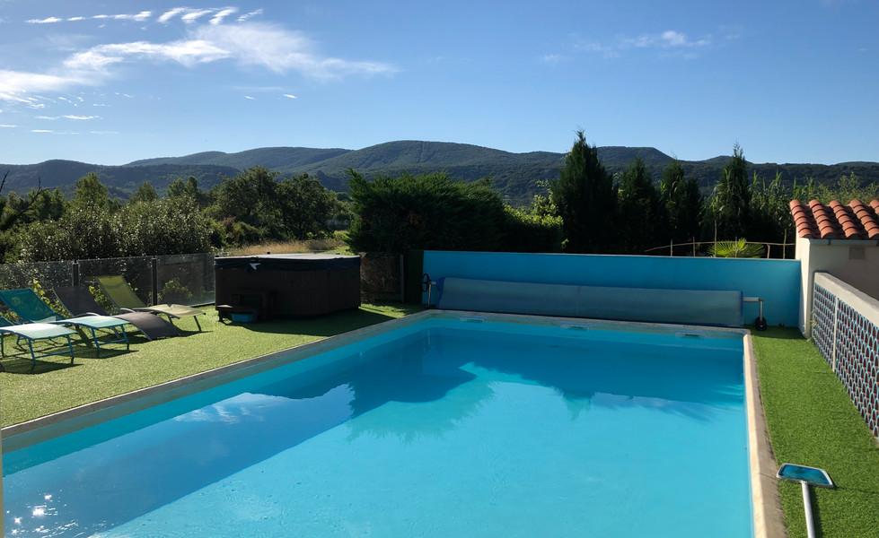 gite-ardeche-avec-piscine-spa-le-petit-Vialto