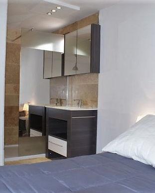 gite-Nature- le-petit-Vialto-chambre-avec-salle-de-bain.jpg