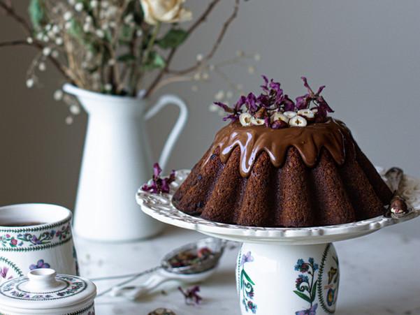 HAZELNUT BANANA AND CHOCOLATE CHIP GLUTEN-FREE CAKE