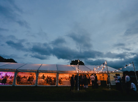 5 Reasons Why You Need To Hire A Mobile Bar For Your 2021 Wedding