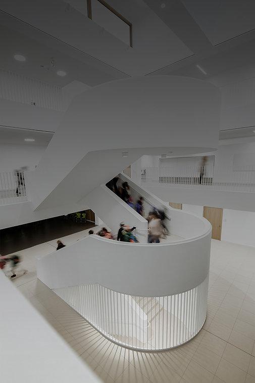 BHP-Innen-große Treppe