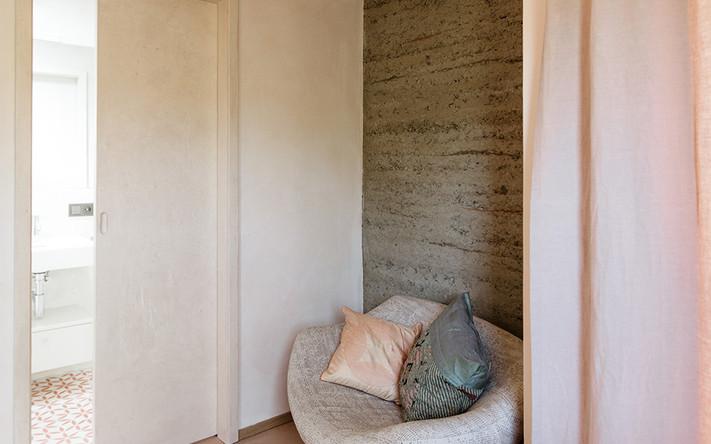 Rosana-Zimmer mit Bad-Anna Heringer