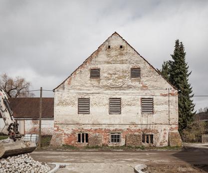 Historischer Kuhstall-Fassade