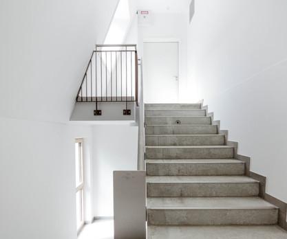 Caritas-Mutterkindhaus-Treppenhaus.jpg