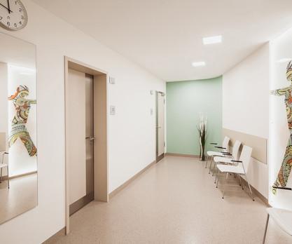 DONAUISAR-Physiotherapie-Wartebereich