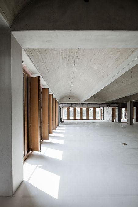 BHP-Baustelle-Tonnendecke-Fenster.jpg