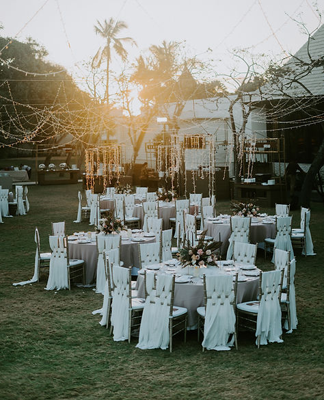 reception-outdoors-2788488.jpg