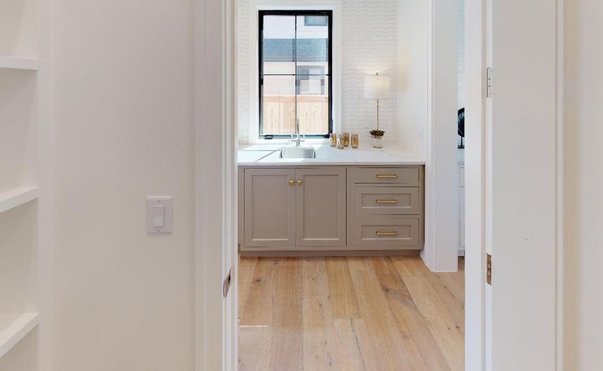 2409-S-Fillmore-Bathroom(6).jpg