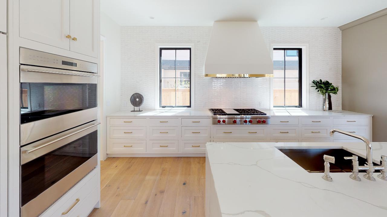 2409-S-Fillmore-Kitchen(1).jpg