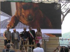 WILLI premiazione con Piero Dapelo, Presidente Toremar e Francesco Olivari, Sindaco di Camogli e Sonia Gentoso