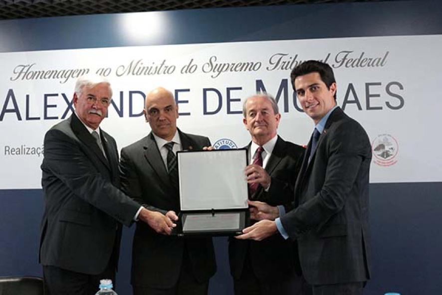 Info A2 participou de cerimônia que homenageou o ministro Alexandre de Moraes