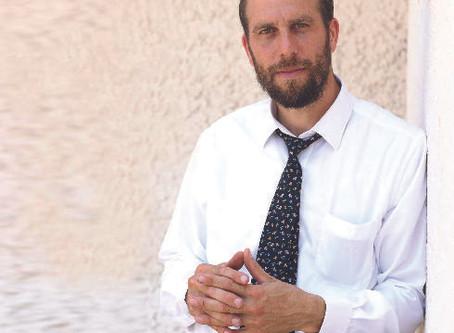 """איציק פינס מחדרה מציל את בית הקברות היהודי בווילנה: """"לא ניתן לבנות במקום"""""""