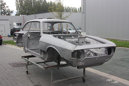 fine abrasive blasting, sandblasting, sodablasting classic cars