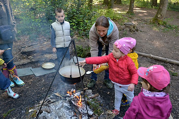 forest playgroup, forest nursery, freeplay outdoors
