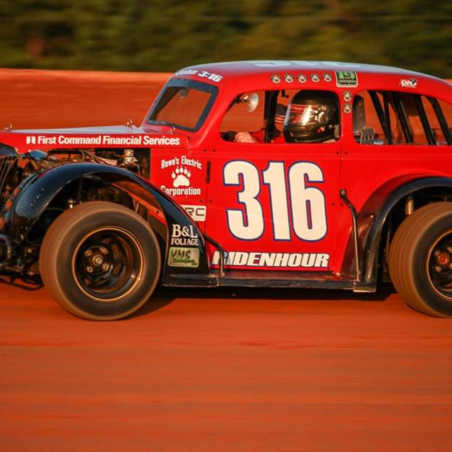 Racing at Fayetteville Speedway