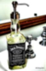 Оригинальное применение использованным бутылкам