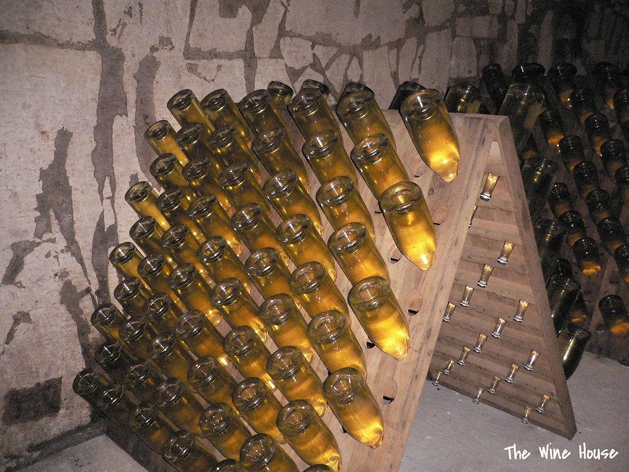 Выдержка шампанского на осадке
