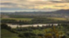 На фото: Река Танаро и зона Барбареско