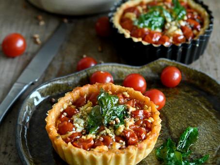 Petites tartes aux tomates cerise et à la feta